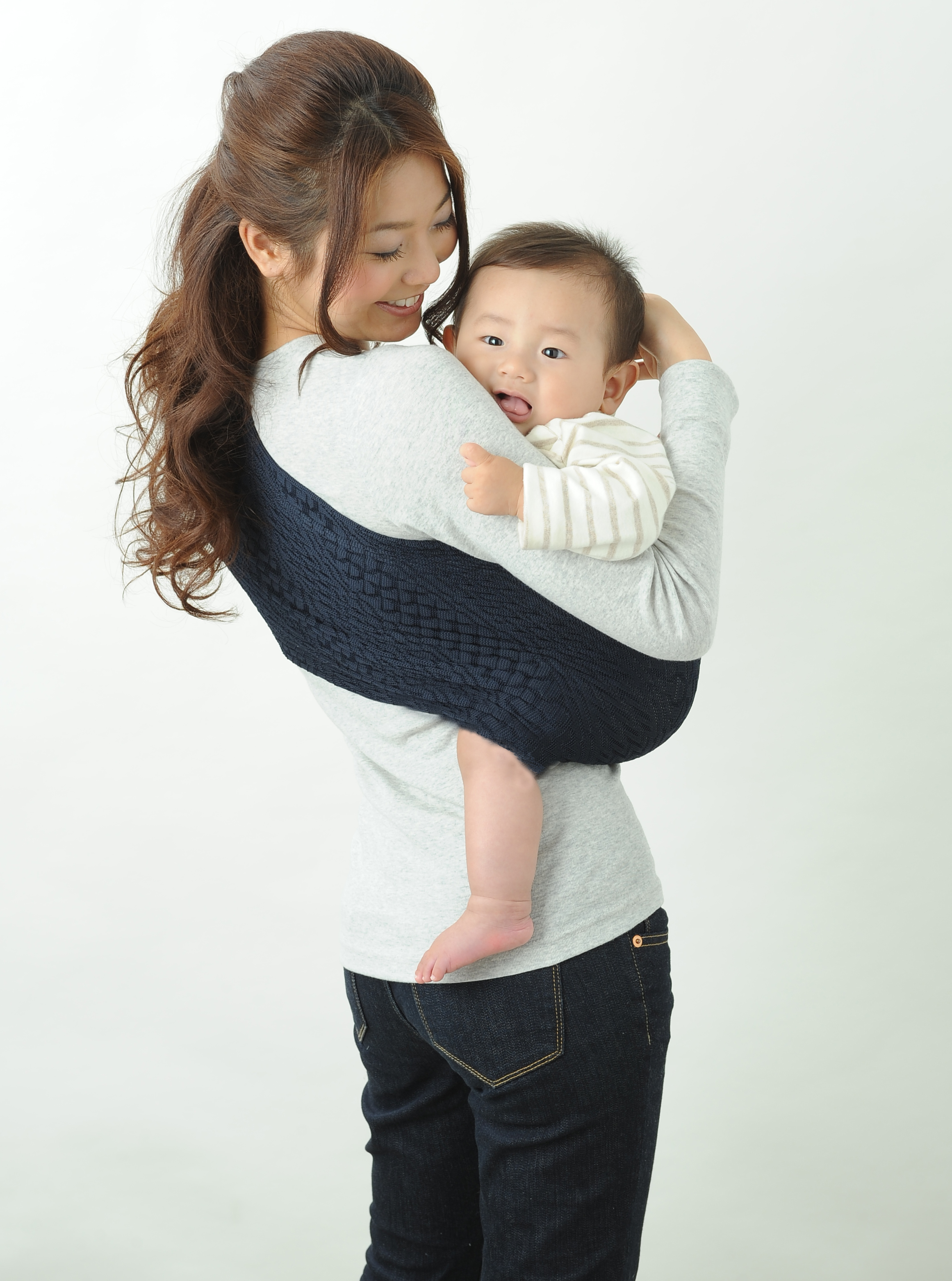wacotto  compact baby carrier  lucky baby japan  babyrug - wacotto · baby sling